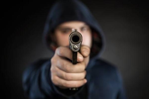 В Саранске иностранцу угрожали пистолетом